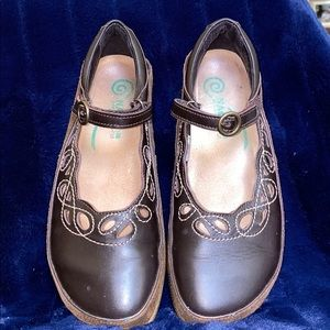 🥳NAOT BRAND. Brown Mary Jane Style. COMFORT BRAND
